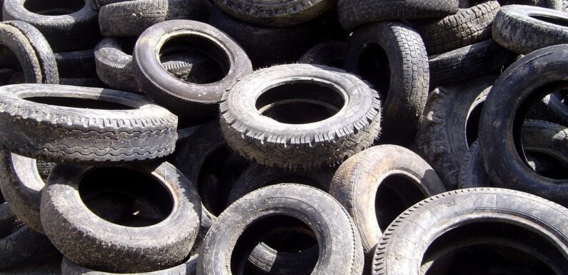 Tyres in the Thames