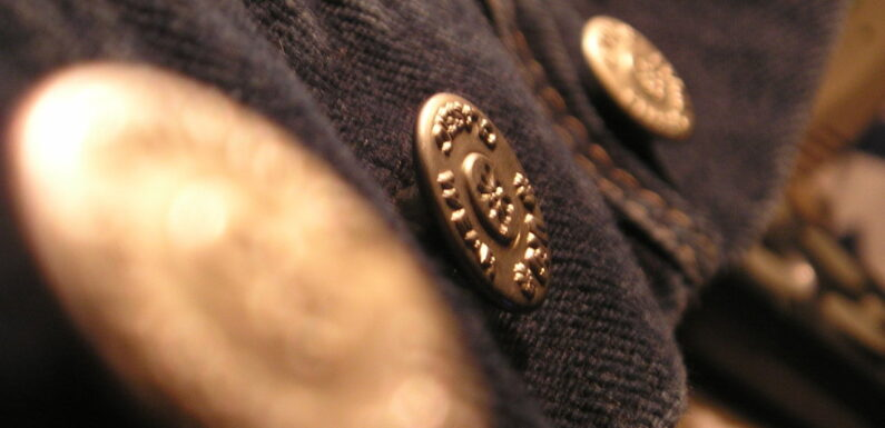 What You Need To Know About Engraved Blazer Buttons from Zipper Shipper