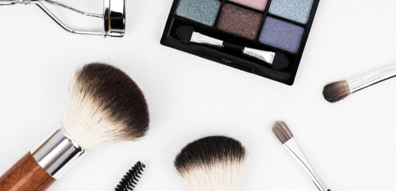 Finding A Cosmetology School